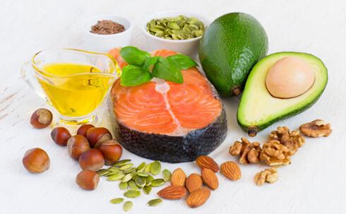 Полезные жиры - источник топлива для женского организма